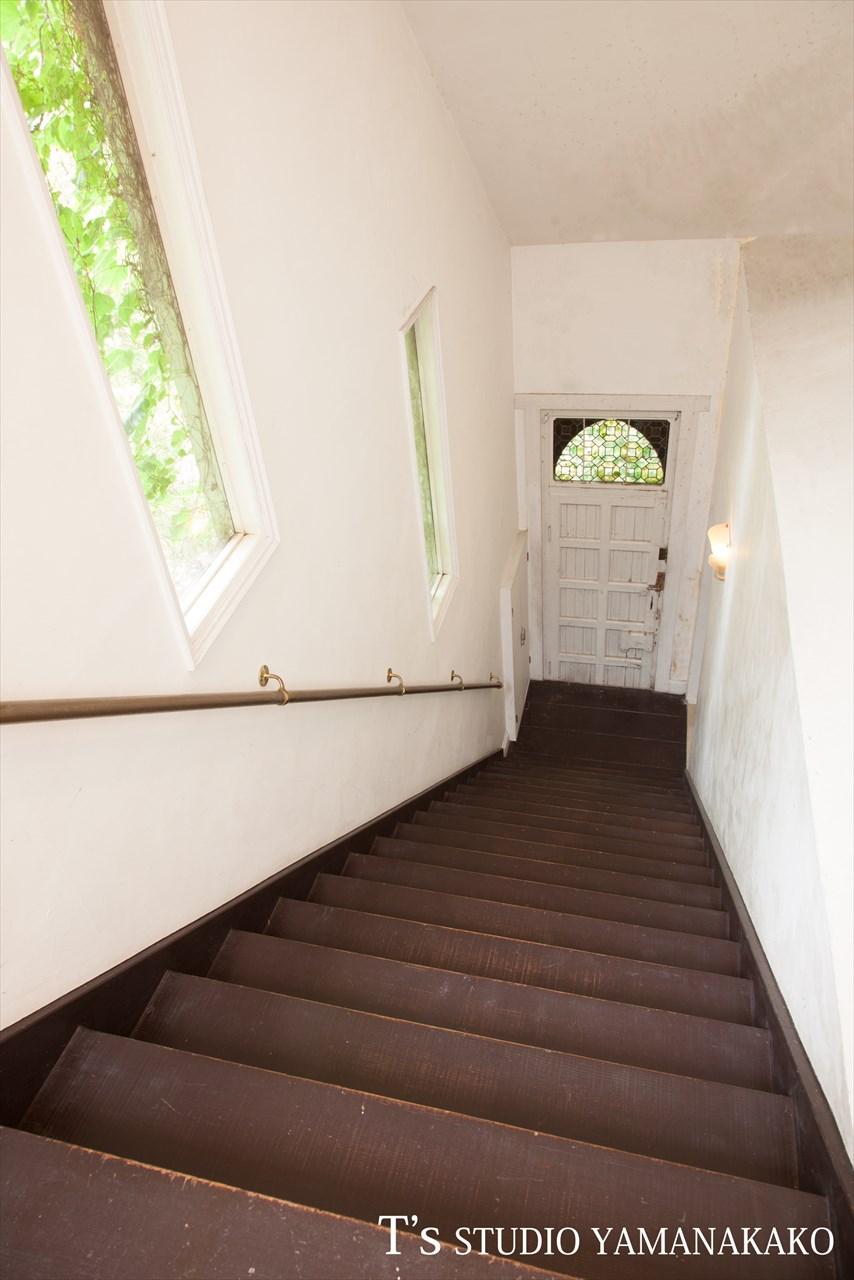 洋館ティーズスタジオ山中湖階段